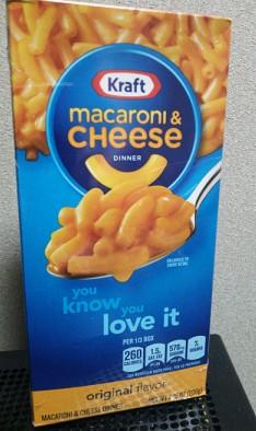 「Kraft macaroni&cheese」。KARDIで297円で買ってきました。