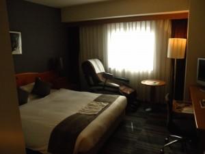 今回の宿は「後楽ホテル」にしました。マッサージチェア付きの部屋です。安価な割にサービスが良くてまた泊まりたいと思いました。