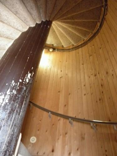 何故かドラクエ5を思い出した狭い螺旋階段。
