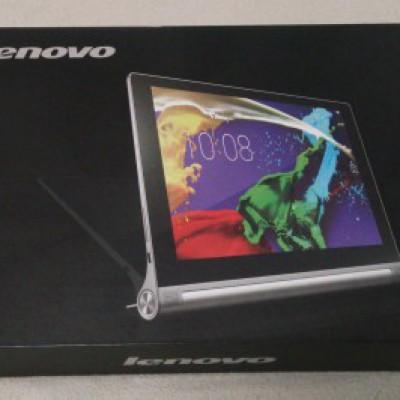 レノボの「YOGA TABLET2」です。Android4.4搭載で10インチ。LTE通信が可能です。