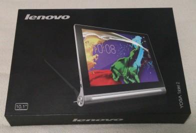 レノボの「YOGA TABLET2」です。Android4.4搭載で10インチ。SIMフリー版はLTE通信が可能です。