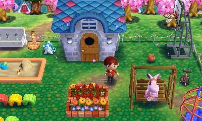 一番広い土地を選んだのですが、花壇に遊具に手洗い場と、定番のものをガンガン置いたらかなり狭くなりました…。