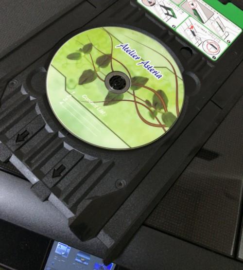 インクジェット対応DVDのレーベルプリントをしてみました。こちらもきれいに印刷できて満足です。もっとも最近DVD作成することは少なくなりましたが…。